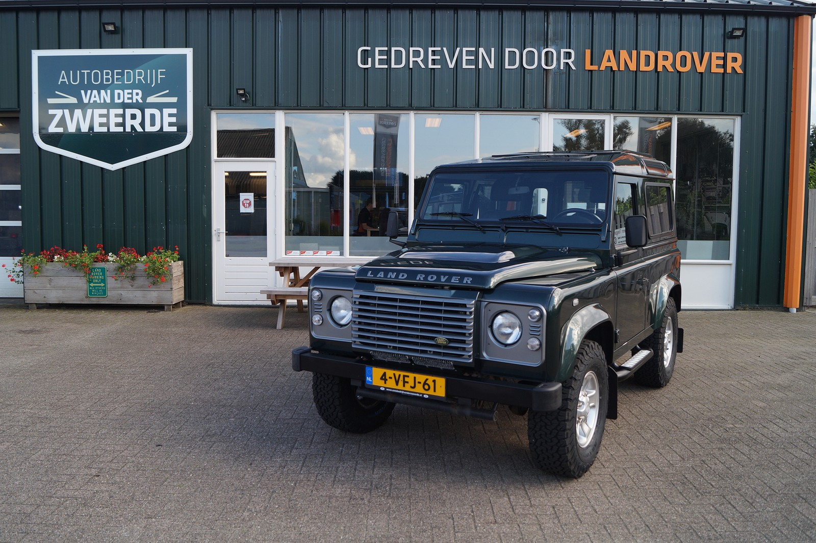 Land Rover Defender 110 Td5 Station Wagon