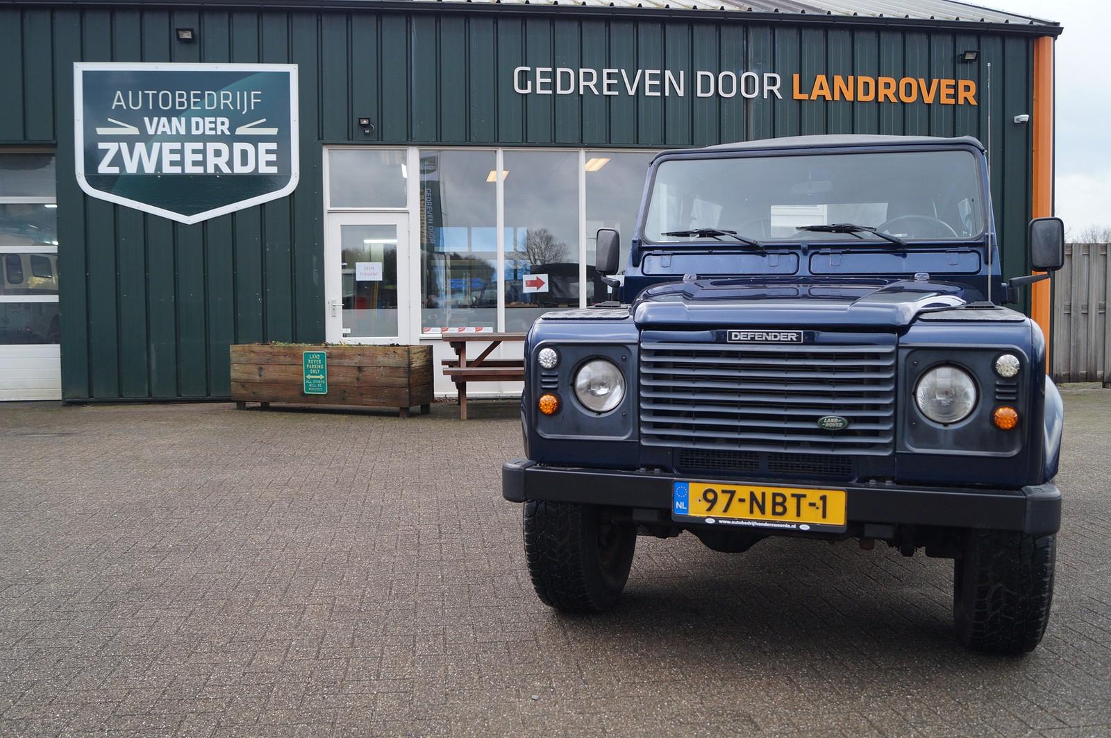 Land Rover Defender 90 Td5 Soft Top